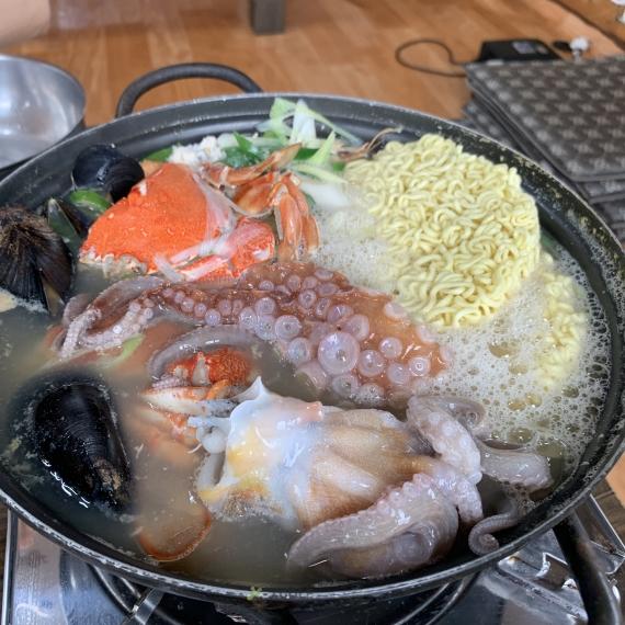 제주 찐~ 맛집 청호식당 통문어라면!